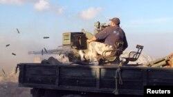 مقاتل في قوات الجيش السوري الحر