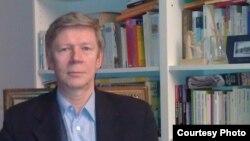 Александр Гарин, исследователь глобальных социально-политических процессов, почетный профессор Центра стратегических исследований имени Джорджа Маршалла в Германии.