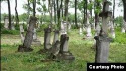 Старе українське кладовище у селі Вербиця