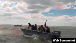 Плавзасіб бойовиків «флотом» назвати можна лише з великою натяжкою