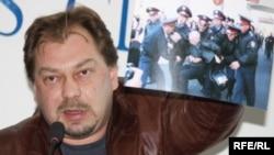 Михаил Сизов, тіркелмеген «Алға» партиясы төрағасының орынбасары. Алматы, 14 қазан 2009 жыл.