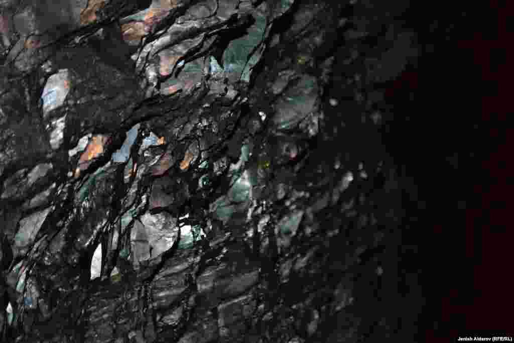 30 процентов добываемого угля идет на нужды местного населения.
