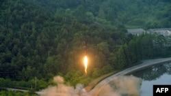 Испытания северокорейской баллистической ракеты 28 мая 2017 года