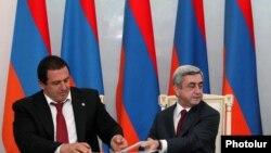 Лидер ППА Гагик Царукян (слева) и лидер РПА Серж Саргсян (архив)