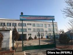 Түркістан қаласындағы Талғат Бигелдинов атындағы мектептің сыртқы көрінісі. 23 қаңтар 2019 жыл