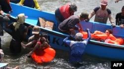 شهروندان ایرانی از جمله سرنشینان قایقی بودند که دو روز پیش در آبهای اندونزی غرق شد و به استرالیا نرسید