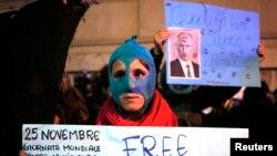 Пикет в защиту осужденных участниц Pussy Riot