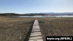 Обмелевшее Тайганское (Белогорское) водохранилище в Крыму