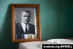 Муж Веры Райковай — Мікалай. Загінуў у 27 гадоў