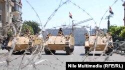 Армейские подразделения блокировали площадь Тахрир в Каире (столица Египта)