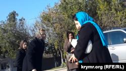 Людмила Янукович на кладбище в Севастополе