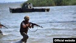 Військові відпрацьовують завдання під час навчань «Сі Бриз-2017», фото з прес-центру ВМС ЗСУ