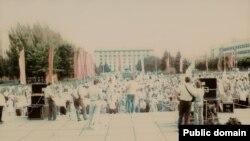 Шахтарський мітинг біля Міністерства вугільної промисловості України. Донецьк, 1990 рік
