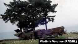 Un transportor blindat rus distrus în Abhazia în 1994