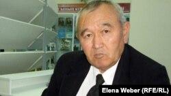 Қазақстанның бірінші президентінің тарихи-мәдени орталығының ғылыми қызметкері Дәуірбек Кетебаев. Теміртау, 17 қазан 2012 жыл.