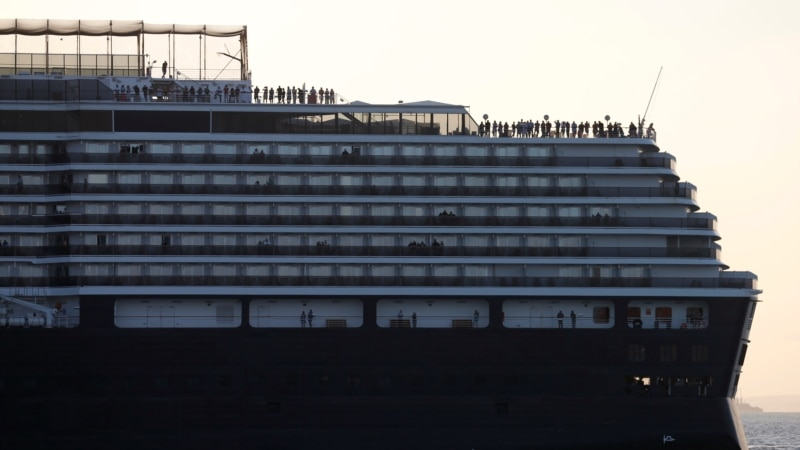 Cambodia Lets Passengers Exit Wandering Cruise Ship After No Virus Cases Seen photo