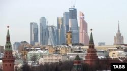 Россия: вид на Кремль и Москва-Сити