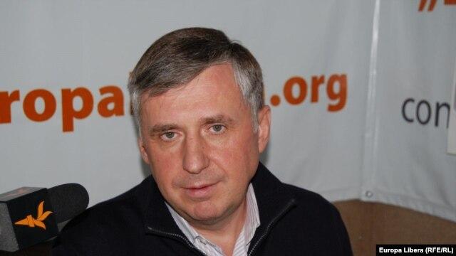 Ion Sturza în studioul Europei Libere la Chișinău