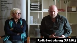 Тетяна Рихтун та Ігор Кисельов відповідають на запитання, Прага, квітень 2014 року