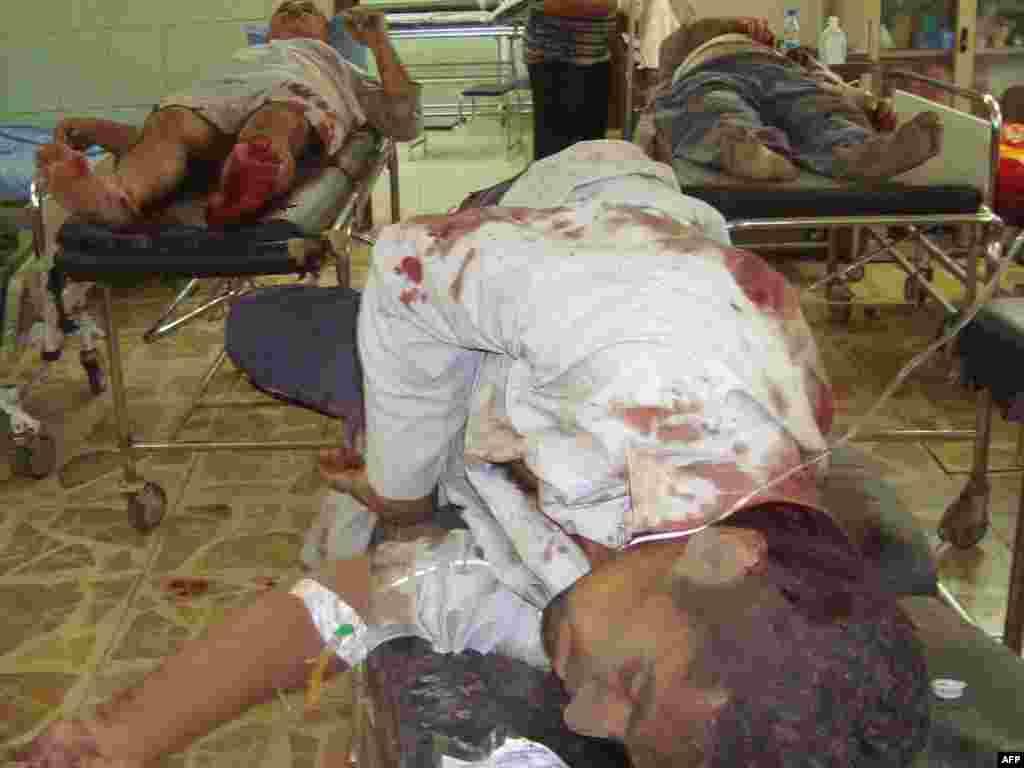 В Багдаде в результате взрыва погибли более 100 человек, десятки ранены