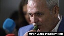 Liviu Dragnea luptând patriotic împotriva legumelor și fructelor capitaliste