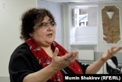 Елена Гремина - драматург.