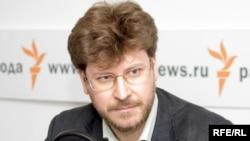Федор Лукьянов в студии Радио Свобода.