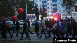 Прогулка сторонников Навального в Уфе. 7 октября 2017 года