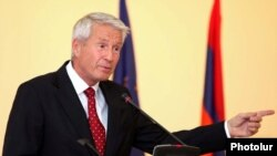 Armenia - Thorbjorn Jagland, sectretary general of the Council of Europe, addresses the Forum For the Future of Democracy, Yerevan, 21Oct2010.