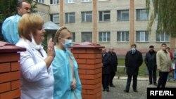 Прем'єр-міністр Юлія Тимошенко у Вінниці 10 жовтня провела нараду з питань лікування хворих на грип