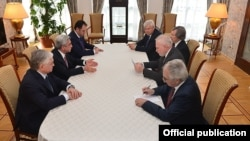 Russia - Armenian President Serzh Sarkisian (C,L) meets with OSCE Minsk Group co-chairs in Saint Petersburg, 20Jun2016