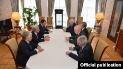 Նախագահ Սերժ Սարգսյանը Սանկտ Պետերբուրգում հանդիպում է ԵԱՀԿ Մինսկի խմբի համանախագահների հետ: 20-ը հունիսի, 2016 թ․