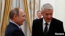 Президент Владимир Путин и генсек Совета Европы Турбьерн Ягланд в ходе встречи в Москве 6 декабря 2016 года