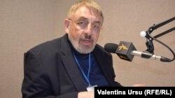 Vladimir Socor în studioul Europei Libere la Chișinău