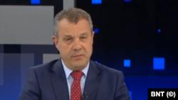 В момента и.д. генерален диреектор на БНТ е Емил Кошлуков.