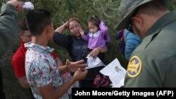Pamje të migrantëve në Teksas, SHBA.