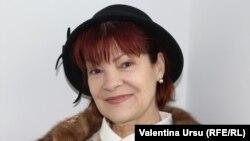 Nina Țurcanu-Furtună în studioul Europei Libere la Chișinău