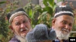 Ўзбекистонлик пенсионерларнинг аксари оладиган нафақаларидан қониқмаслигини айтади.