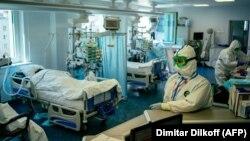Ռուսաստան - Մոսկովյան հիվանդանոցներից մեկում բուժում են կորոնավիրուսով վարակվածներին, ապրիլ, 2020թ.