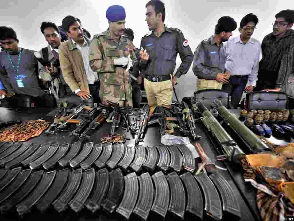 سلاحهای باقی مانده از چریکها