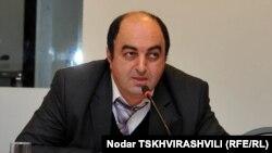 Основным объектом критики омбудсмена в прошлом году стала Главная прокуратура Грузии. В некоторых случаях расследование действительно было начато, однако конкретные результаты достигнуты не были