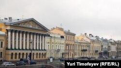 Английская набережная в Санкт-Петербурге