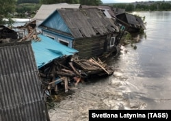 The floods in Siberia destroyed some 10,000 homes.