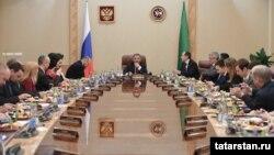 Рөстәм Миңнеханов журналистлар белән очраша