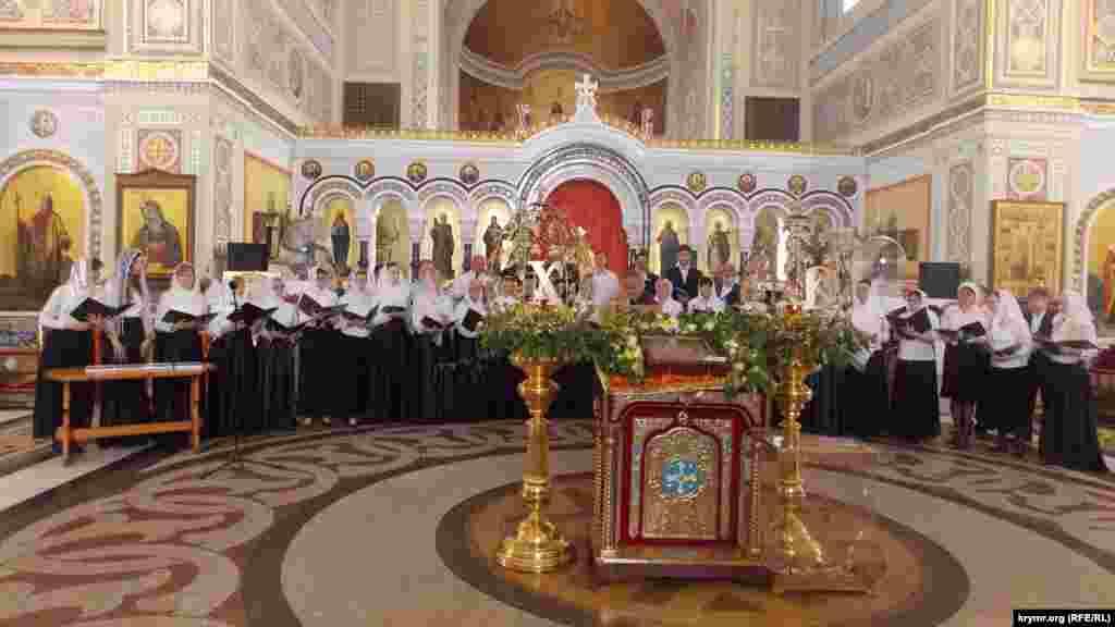 У концерті духовної музики взяли участь представники севастопольських храмів.