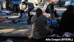 La piaţa de vechituri din apropierea Gării Feroviare