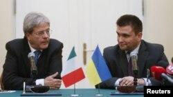 Министр иностранных дел Италии Паоло Джентилони и глава МИД Украины Павел Климкин, Киев, 27 октября 2015 год