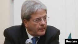به گفته وزیر خارجه ایتالیا پرداختن به مسائل فوقالعاده مهم انسانی، از جمله آزادی جیسون رضائیان یا همکاری تهران در مورد بحران سوریه، برای ایجاد اعتماد بین طرفها از اهمیت حیاتی برخوردار است