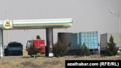 Ýük ulaglaryna mugt benzin berilmez