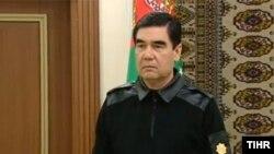 Türkmenistanyň prezidenti Gurbanguly Berdimuhamedow, TH-nyň fotosuraty
